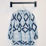 greek bluse vorn hellblau.jpg